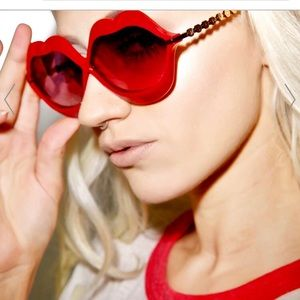 Wildfox Couture ,  PINK Lip Service,  Sunnies